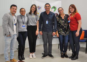 Equipe organizadora com os professores convidados. Foto: Divulgação/Faccat