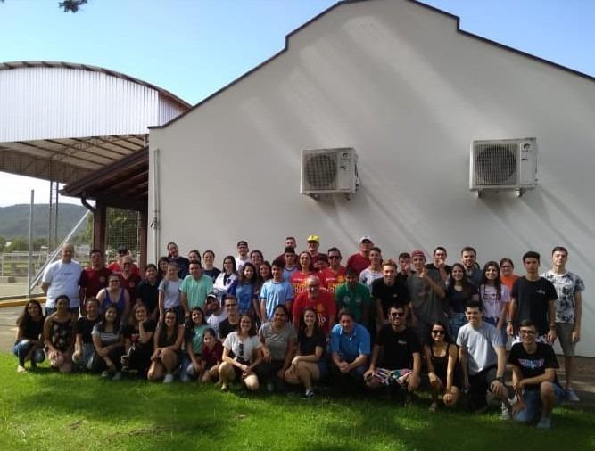 Grupo de voluntários presentes no evento Foto: Divulgação