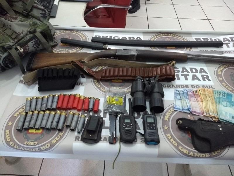 Homem armado é preso pela BM em Taquara - Foto: Luiz Helena