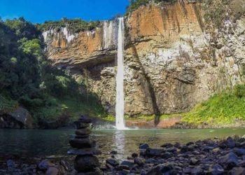 Cascata do Chuvisqueiro Foto: Blog/Viagens e Caminhos