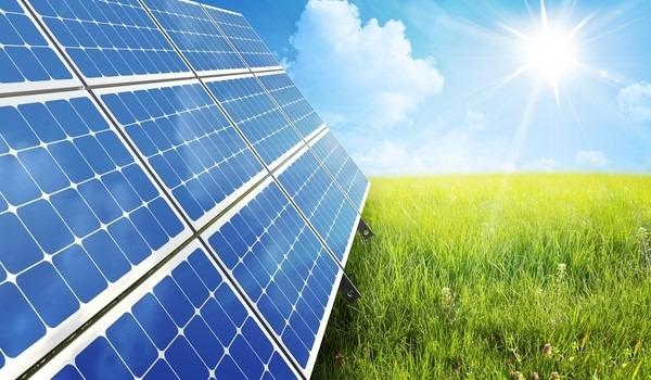 Diversas placas de energia solar serão instaladas dentro da proposta da cooperativa  Foto: Internet