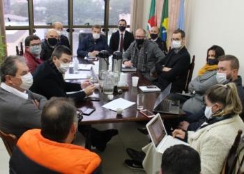 Prefeitos se reuniram para ajustarem as regras adotadas a partir de agora Foto: Eder Zucolotto
