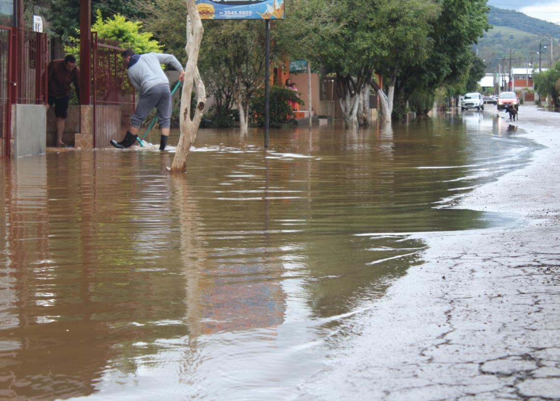 Estabelecimento foi atingido pela água no bairro Ritter, em Igrejinha. Foto: Lilian Moraes
