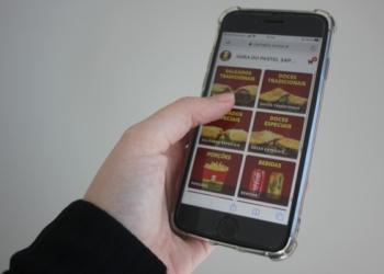 """Inteligência artificial """"Paty"""" ajuda no atendimento aos clientes Foto: Caroline Waschburger"""