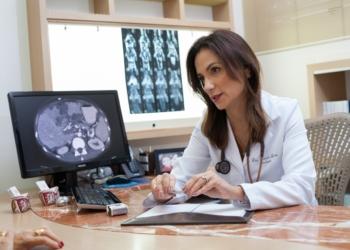 Oncologista Daniela Lessa expõe a sua visão e conhecimento deste tema Foto: Reprodução