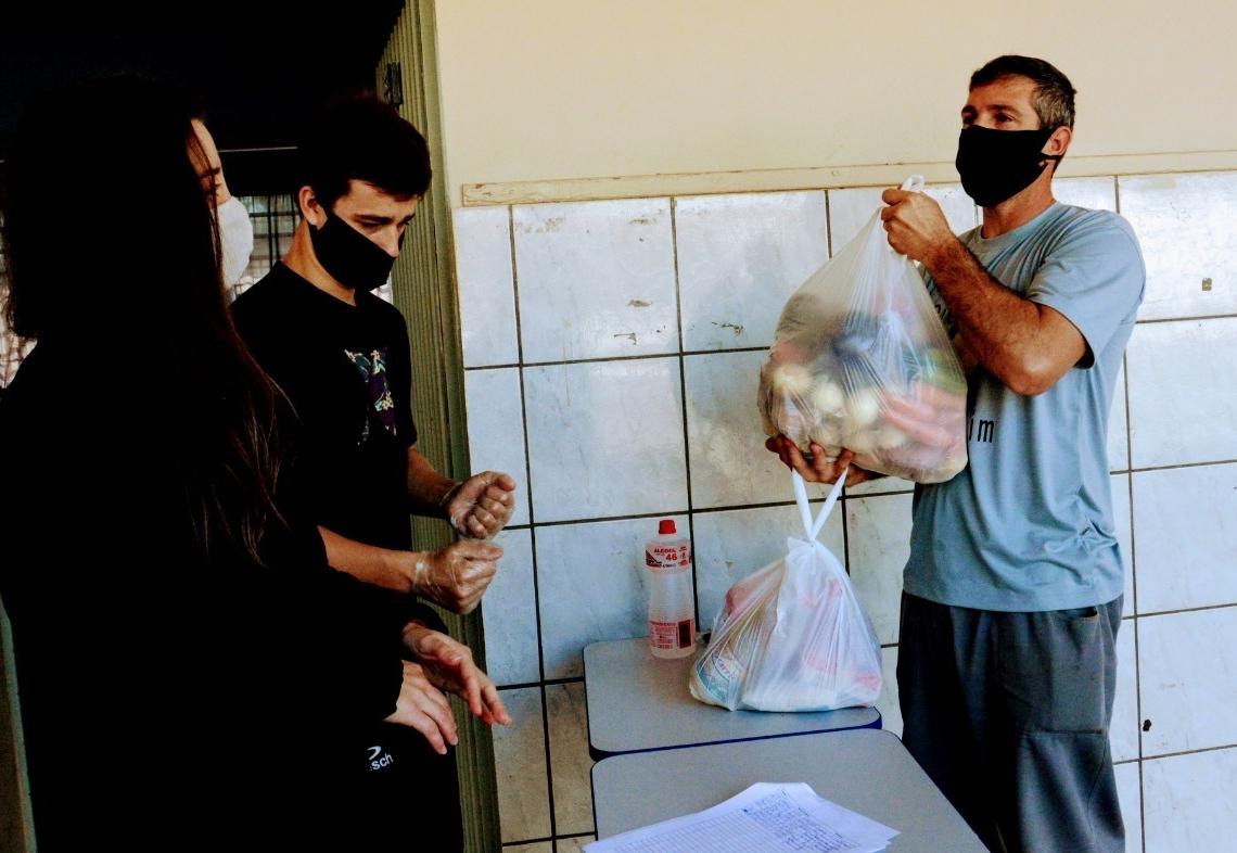 Entrega realizada em Taquara Foto: Magda Rabie/PMT