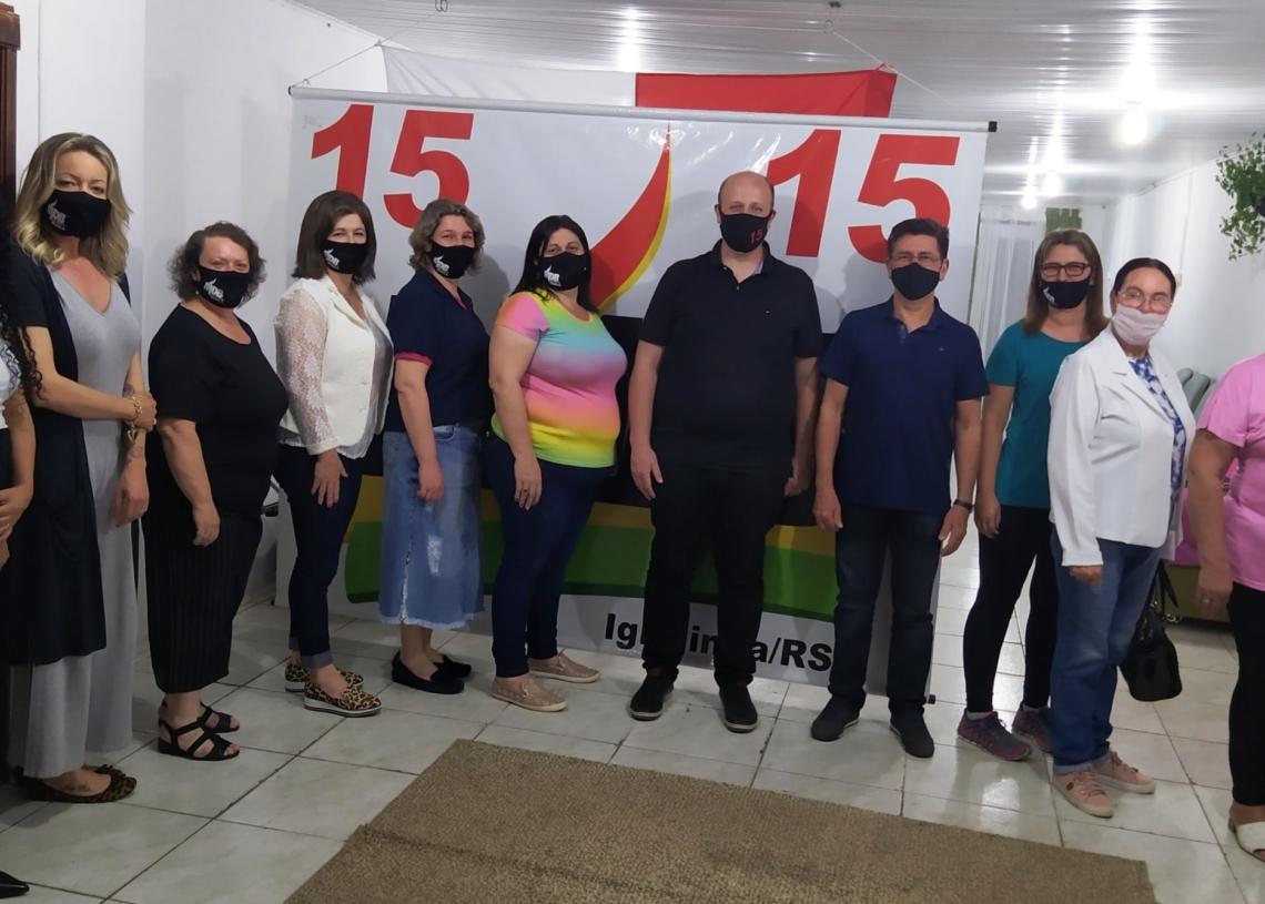 Candidatos à prefeitura Guto e Chaco com o Núcleo MDB Mulher | Foto: MDB Igrejinha