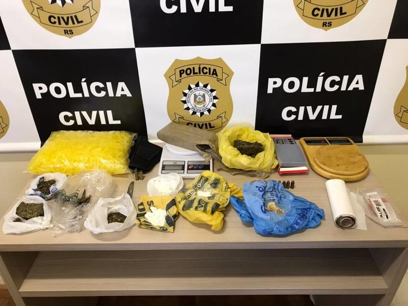 Droga e demais materiais apreendidos na Operação Reciclagem, em Parobé Foto: Polícia Civil