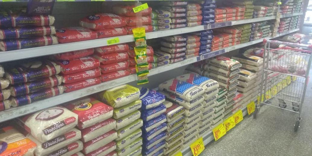 Aumento no preço do arroz tem assustado o arroz tem assustado o consumidor Foto: Valdir de Oliveira Junior