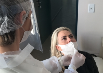 Teste RT-PCR é feito para identificação do vírus | Foto: Henrique Ternus