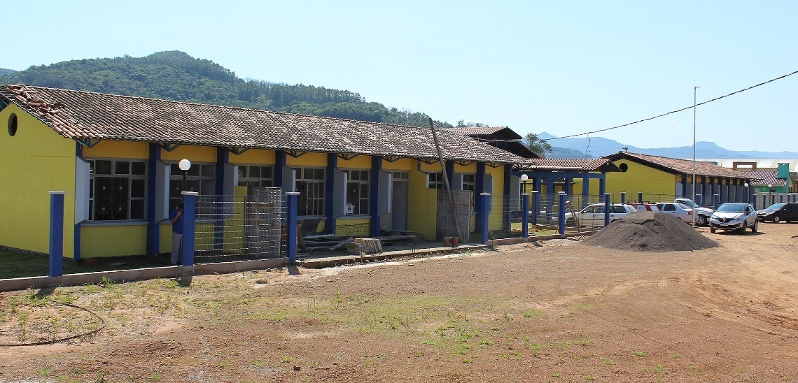 Parte frontal da escola Fotos: SMEE Rolante/Divulgação
