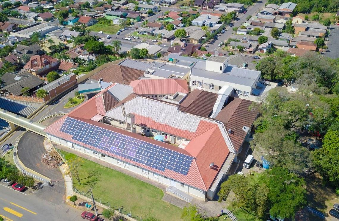 Registro do andamento da troca do telhado da instituição  Fotos: HBP/Divulgação