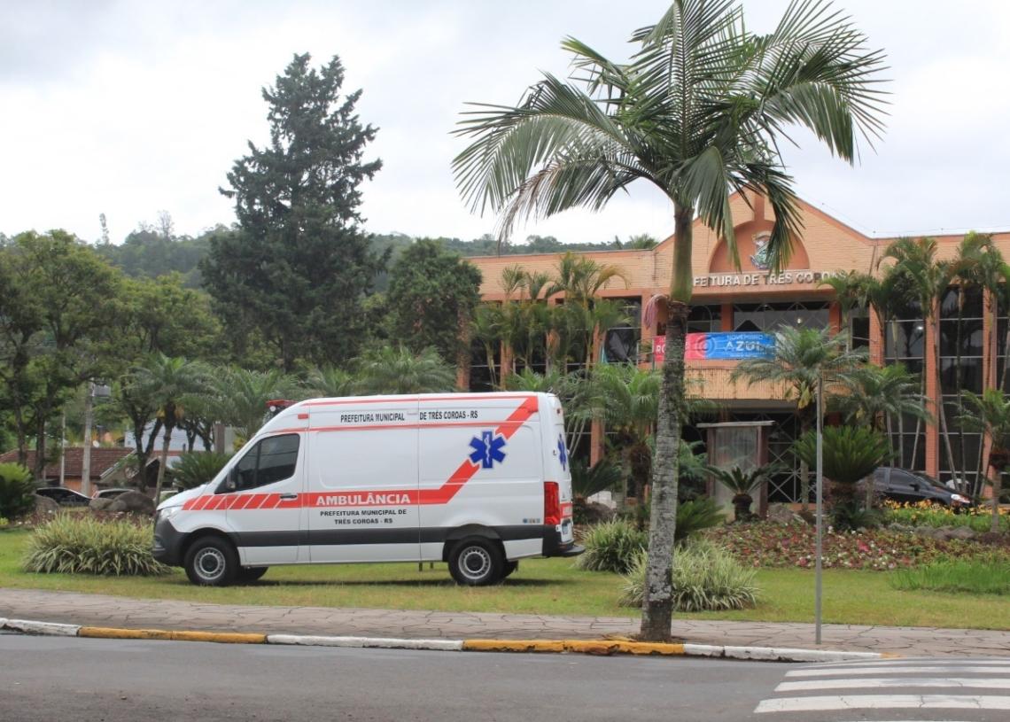 Durante quarta (28) e quinta-feira (29), o veículo foi exposto em frente à Prefeitura.  Foto: Lilian Moraes