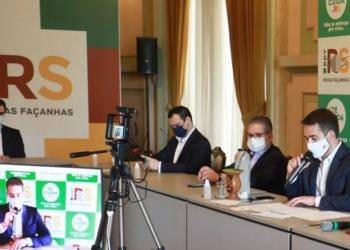 Projeto assinado pelo governador Leite prevê uma política estadual de estímulo à produção de etanol - Foto: Itamar Aguiar / Palácio Piratini