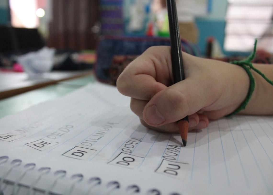 Enquanto algumas crianças vão estar na sala de aula, outras vão estudar de casa em 2021. Foto: Lilian Moraes