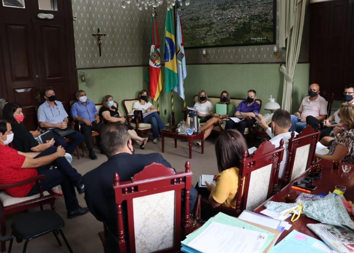 Data foi anunciada em reunião da Ampara nesta segunda. Fotos Cris Vargas/Prefeitura de Taquara