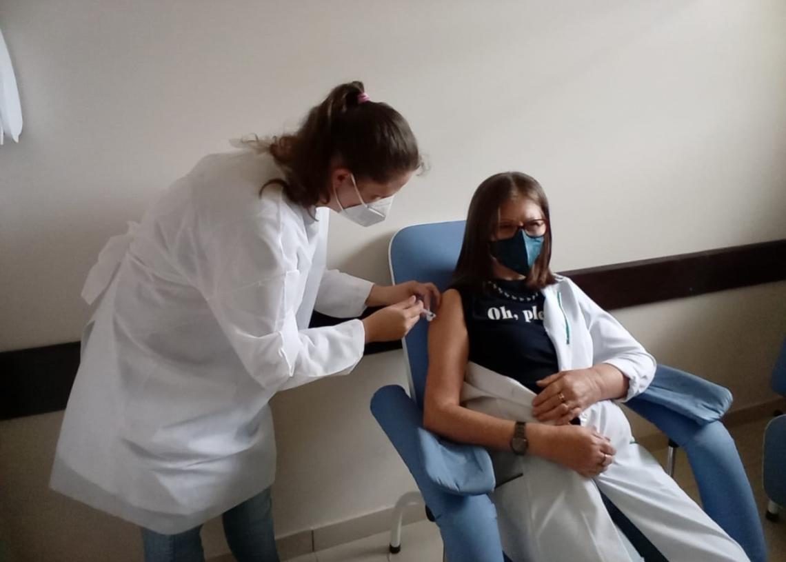 Diretora Técnica do hospital, médica Eliana Rehling. Foto: Edna Cardoso/Prefeitura de Rolante