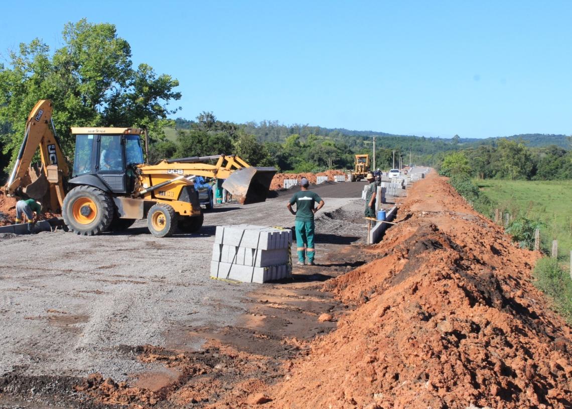 Prefeitura estima que obra seja concluída em junho. Foto: Matheus de Oliveira