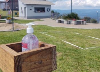 Há disposição de álcool em gel em diversos pontos do Parque Foto: Divulgação