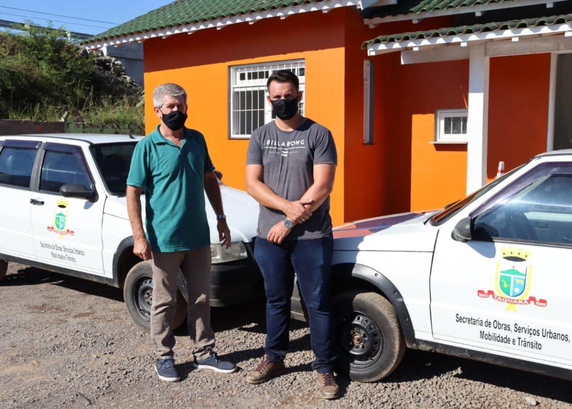 Vereador Adalberto esteve visitando a Secretaria de Obras com o secretário Bruno Foto: Cris Vargas/Prefeitura de Taquara