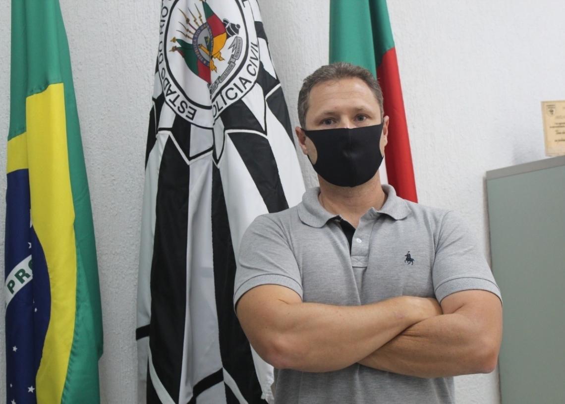 Delegado Caliari está há 10 anos na Polícia Civil (Foto: Melissa Costa)