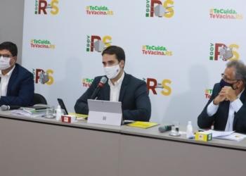 Governador Leite apresentou a proposta juntamente com os secretários Agostinho Meirelles (E) e Faisal Karam - Foto: Itamar Aguiar / Palácio Piratini