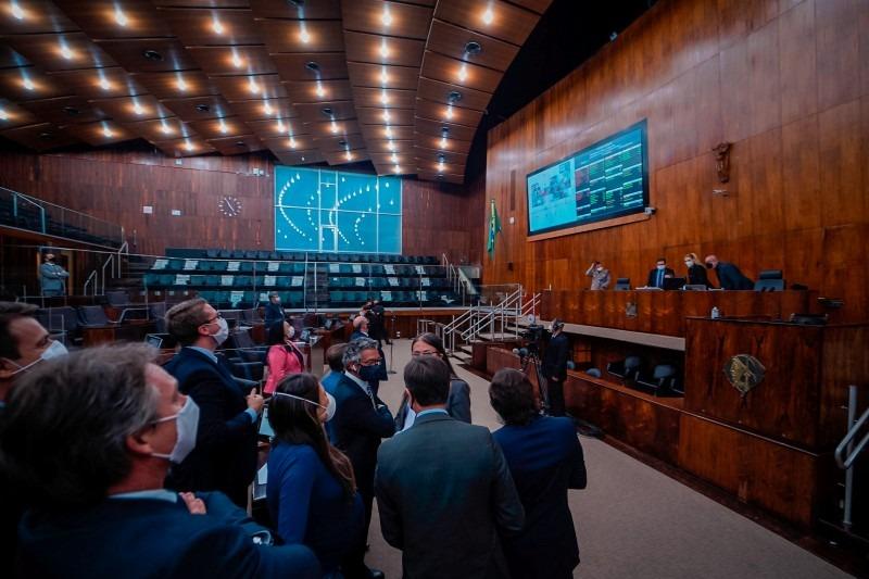 Deputados aprovaram por 34 votos favoráveis: como é uma PEC, ainda precisará ser apreciada em segundo turno - Foto: Joel Vargas / ALRS / Divulgação