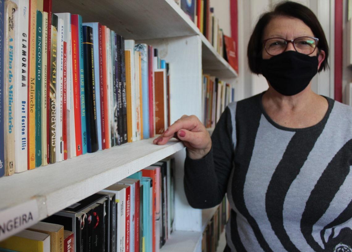 Teresa Machado é professora e criou a biblioteca comunitária em 2018 Fotos:  Lilian Moraes