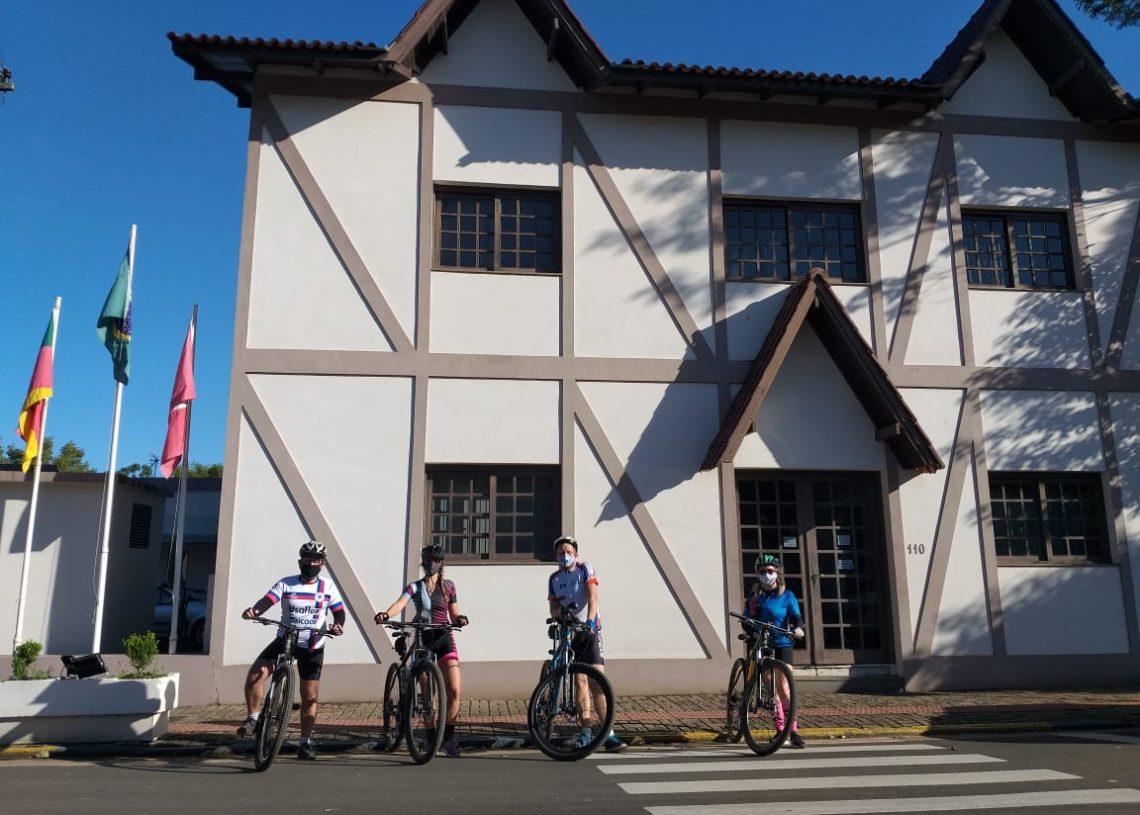Em Rolante: Juliano, Carine, Clebersson e Joice. Foto: Divulgação