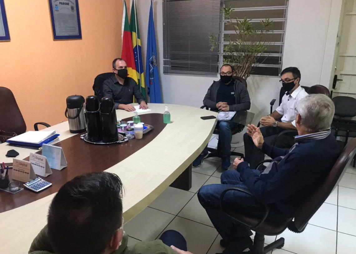 Presidente recebeu grupo de ciclistas que entregaram solicitações para melhorar a mobilidade urbana no município Foto: Eduarda Rocha/Assessoria de Comunicação