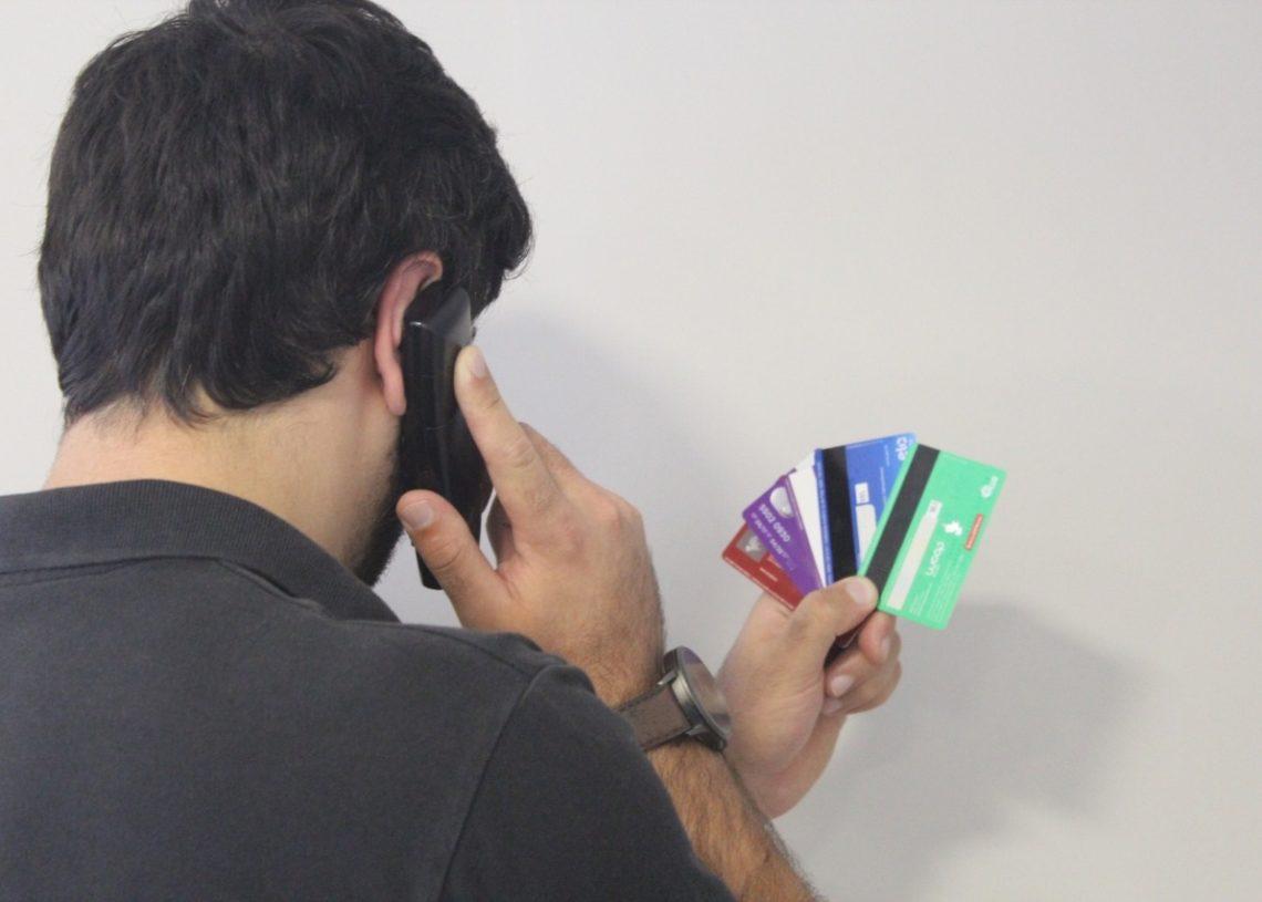 Golpes estão sendo aplicados por telefone e principais vítimas são idosos (Foto: Ilustração)