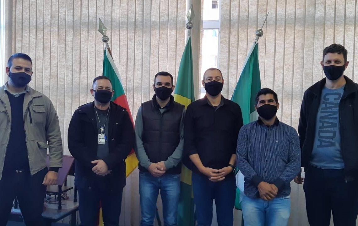 Comitiva de vereadores foi recebida recentemente na prefeitura de Dois Irmãos Foto: Divulgação