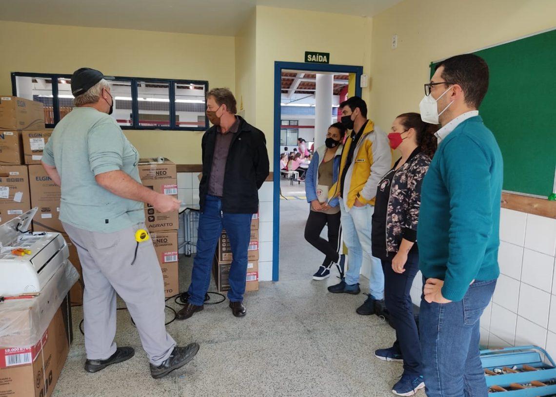 Escola Minnie está recebendo as primeiras instalações dos aparelhos  (Foto: Divulgação)