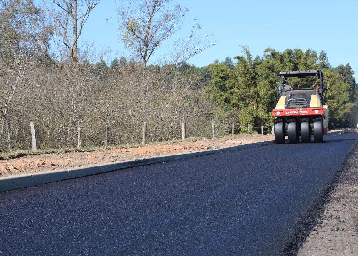 Primeiro trecho do asfalto deve ser entregue em novembro Foto: Lilian Moraes