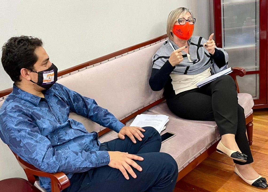 Reunião ocorreu no gabinete da prefeita Sirlei Silveira. Foto: Cris Vargas / Divulgação