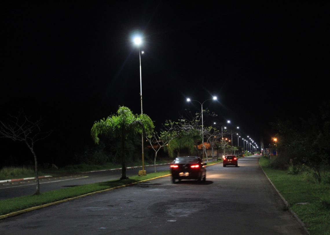 Avenida Ildo Meneghetti atualmente conta com lâmpadas LED em toda sua extensão.   Foto: Matheus de Oliveira