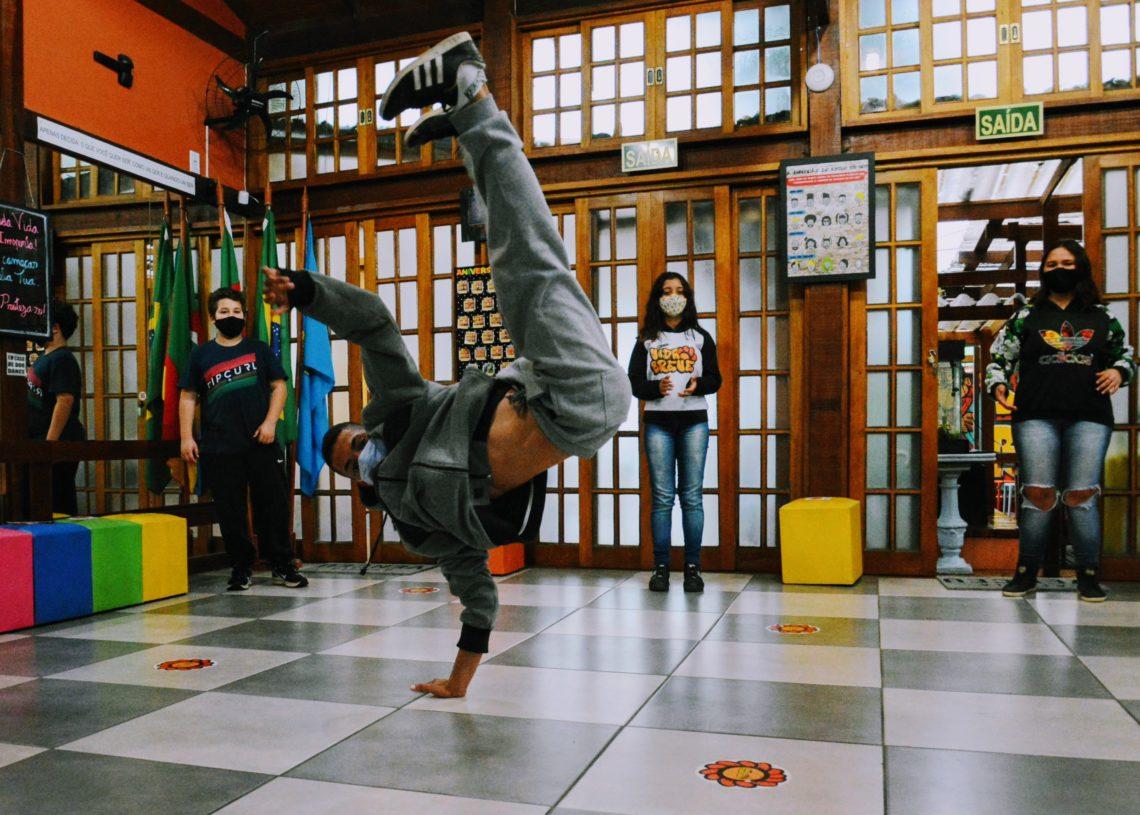 Teatro, Protagonismo, Hip Hop e Informática são algumas das oficinas promovidas. Foto: Magda Rabie