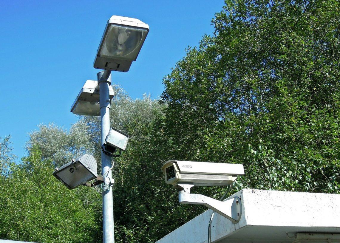 Imagens das câmeras de segurança de casas e estabelecimentos que aderirem à proposta poderão ser utilizadas pelo poder público como prova criminal Foto: Manfred Antranias Zimmer/Pixabay