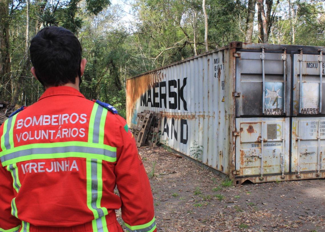Container é utilizado para treinamentos da corporação Foto: Lilian de Moraes