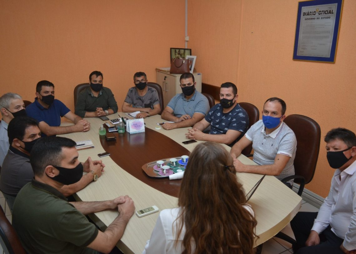 Reunião aconteceu na tarde desta quinta-feira. Foto: Matheus de Oliveira
