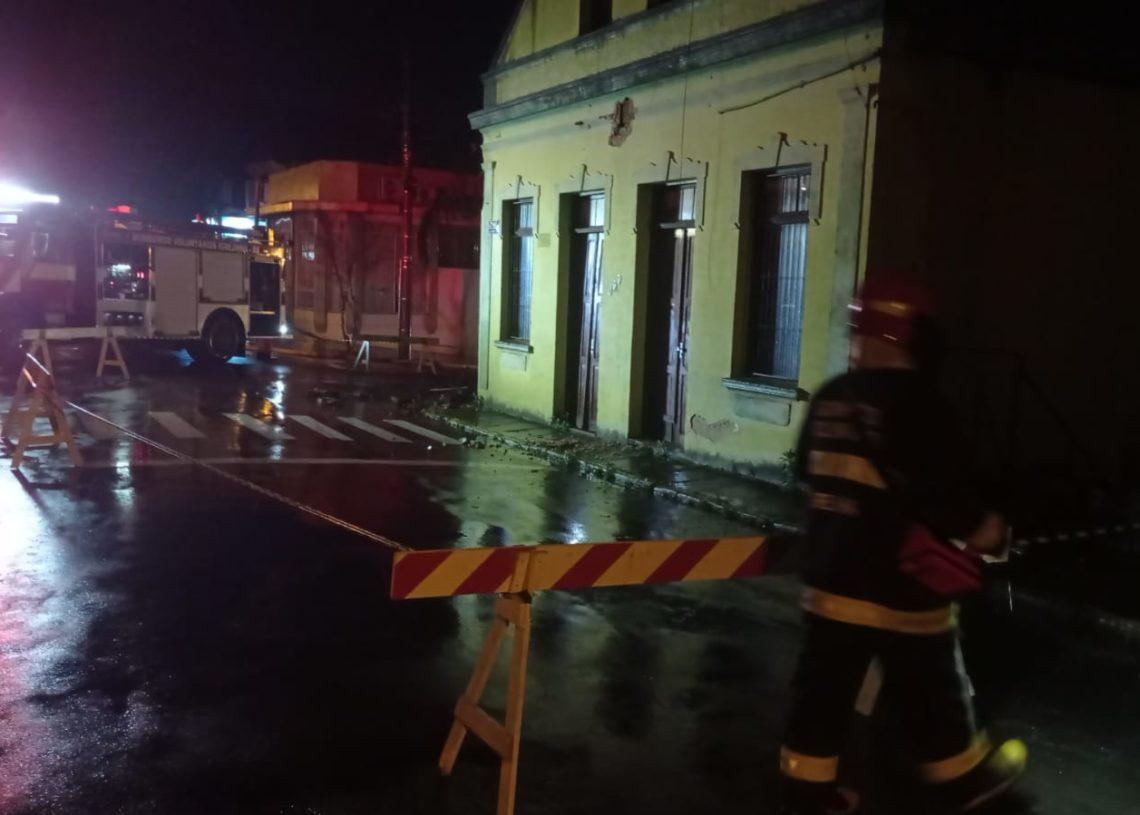 Ambas as ruas foram isoladas Foto: Bombeiros Voluntários de Igrejinha